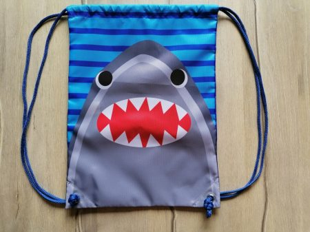 F&F tornazsák cápa mintás Új-címkés