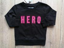 Next pulóver fekete, feliratos Új-címkés (80)