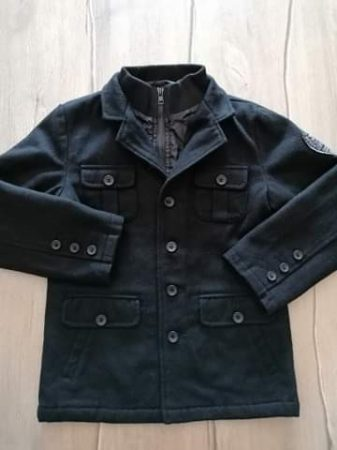 Kabát szövet, fekete színű (134)