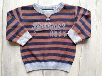 Next pulóver gépi kötött csíkos, feliratos (80)