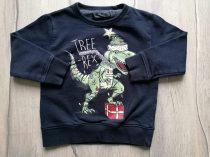 Next pulóver fekete, karácsonyi dinó mintás (104)