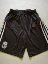 Adidas rövidnadrág Liverpool FC emblémával (152)