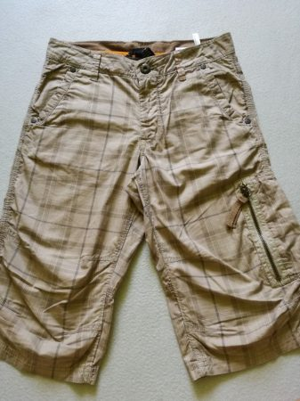H&M rövidnadrág drapp-kockás-zsebes (140)