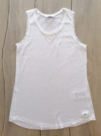 Mayoral trikó fehér, hímzett virágos (158)