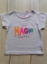 Next póló csíkos, színes feliratos Új-címkés (110)