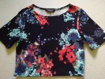 New Look felső sötétkék, színes nagy virágokkal (158)