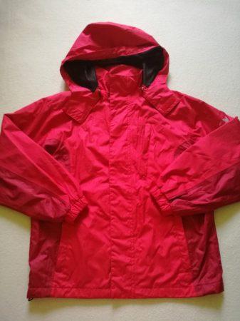 Technikai kabát, piros színű-bordó betét résszel, kapucnival (140)